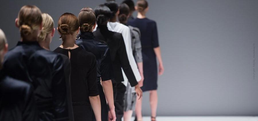 Chanel, Versage, Gautier, Lagerfeld - los diseñadores más famosos del mundo de la moda