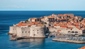 Vacaciones en Lanterna: Lujo en Croacia – Camping Resort, Site plan & Info