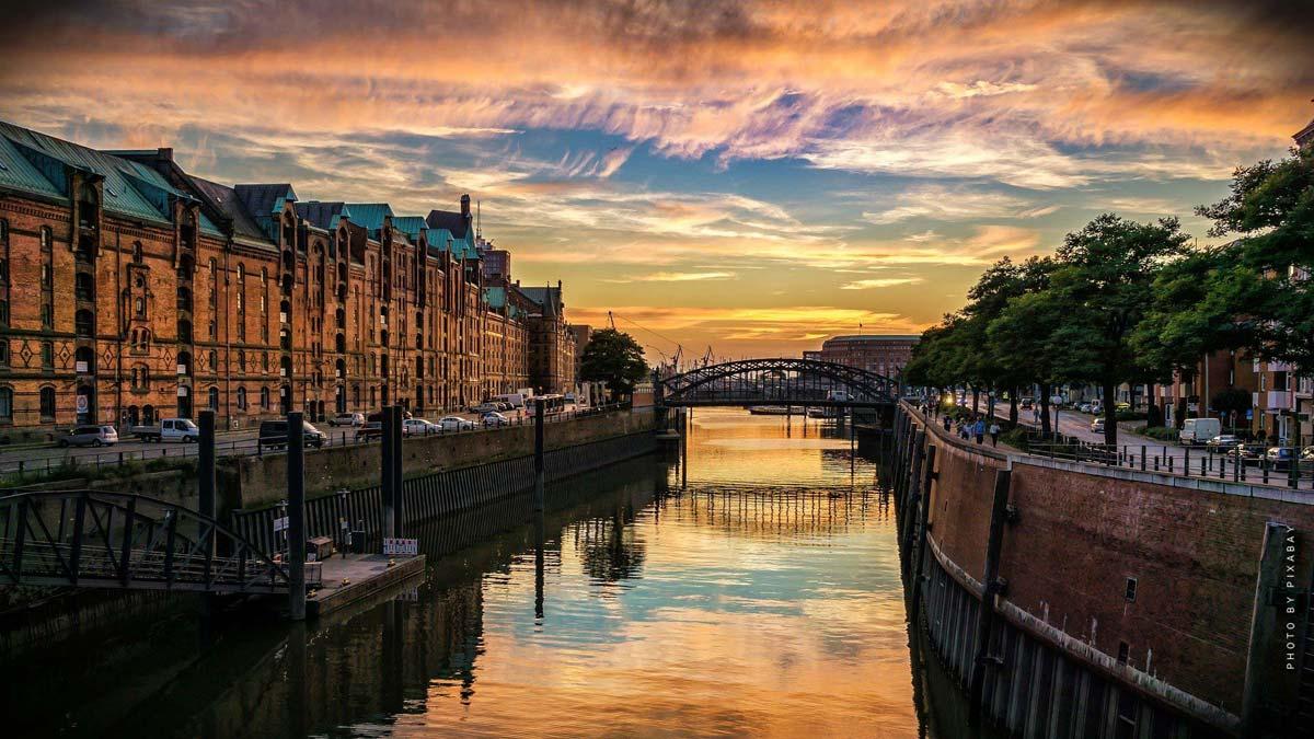 Vacaciones en Hamburgo: musicales, comedia y vacaciones en la playa con recorridos por el puerto