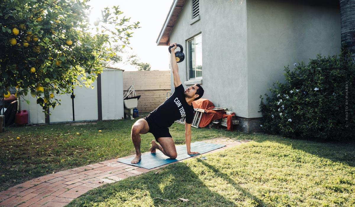 Entrenamientos para el hogar: Consejos para principiantes y ejercicios sin equipo