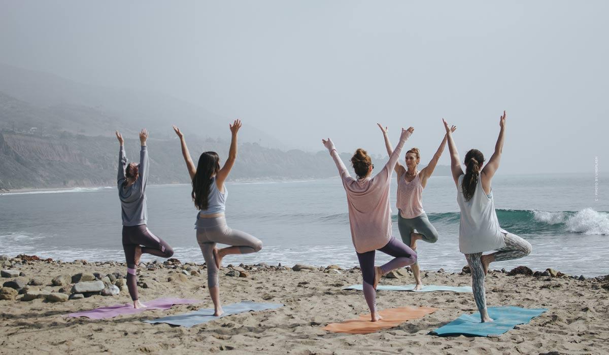 Yoga: ejercicios para principiantes, conocimientos básicos & consejos de las estrellas - ¡incluyendo videos para unirse!