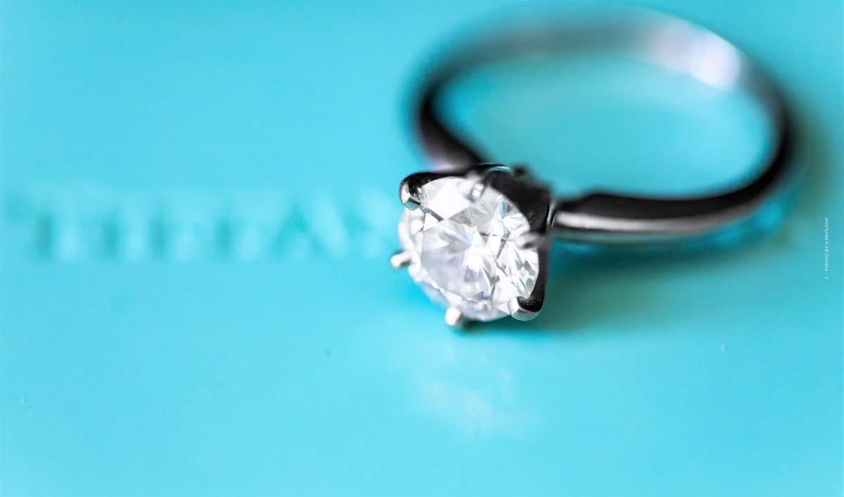 Tiffany & Co.: anillo, collar, pulsera, pendientes y perfume - Brand & Story