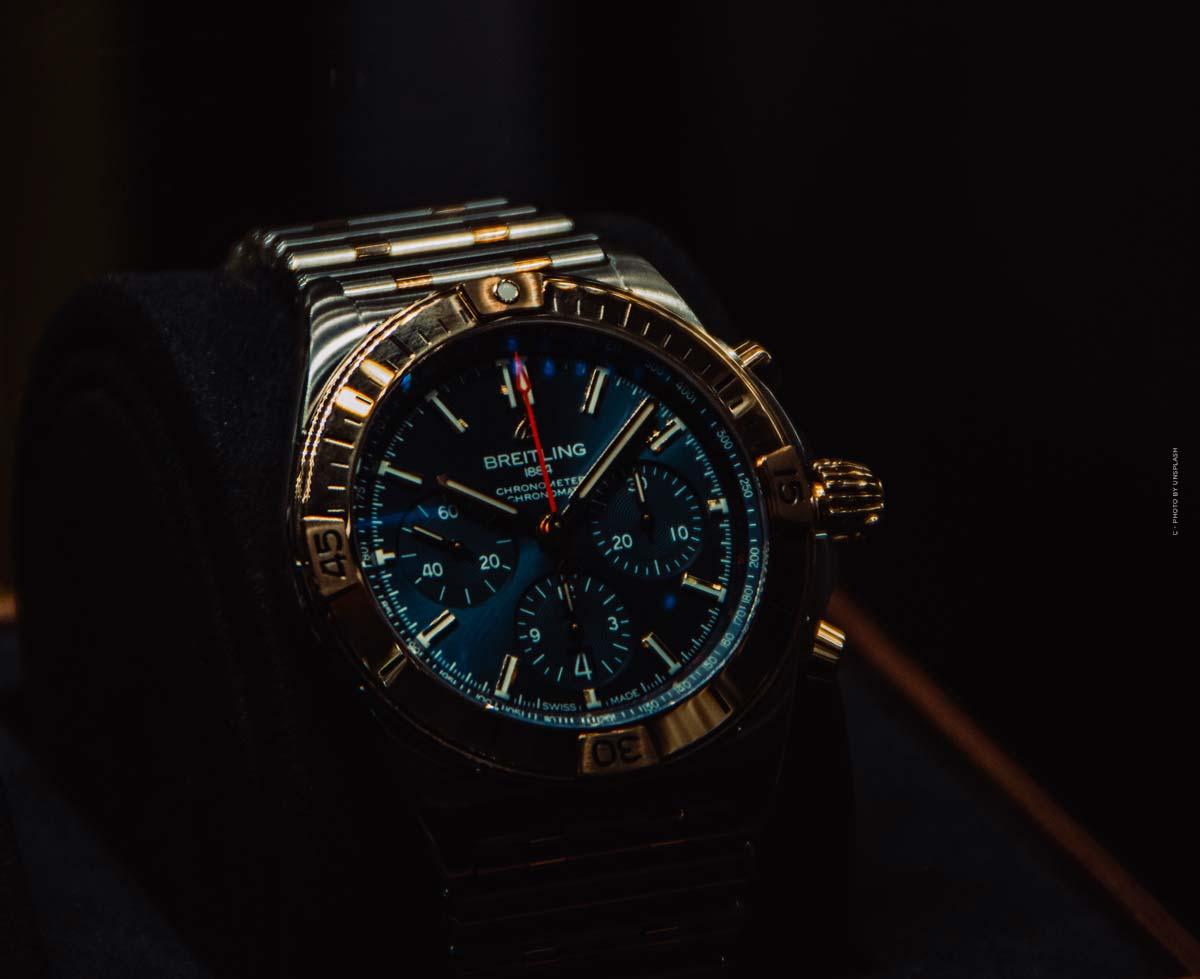 Breitling Professional: Precios, modelos de los relojes de colores para hombre y mujer