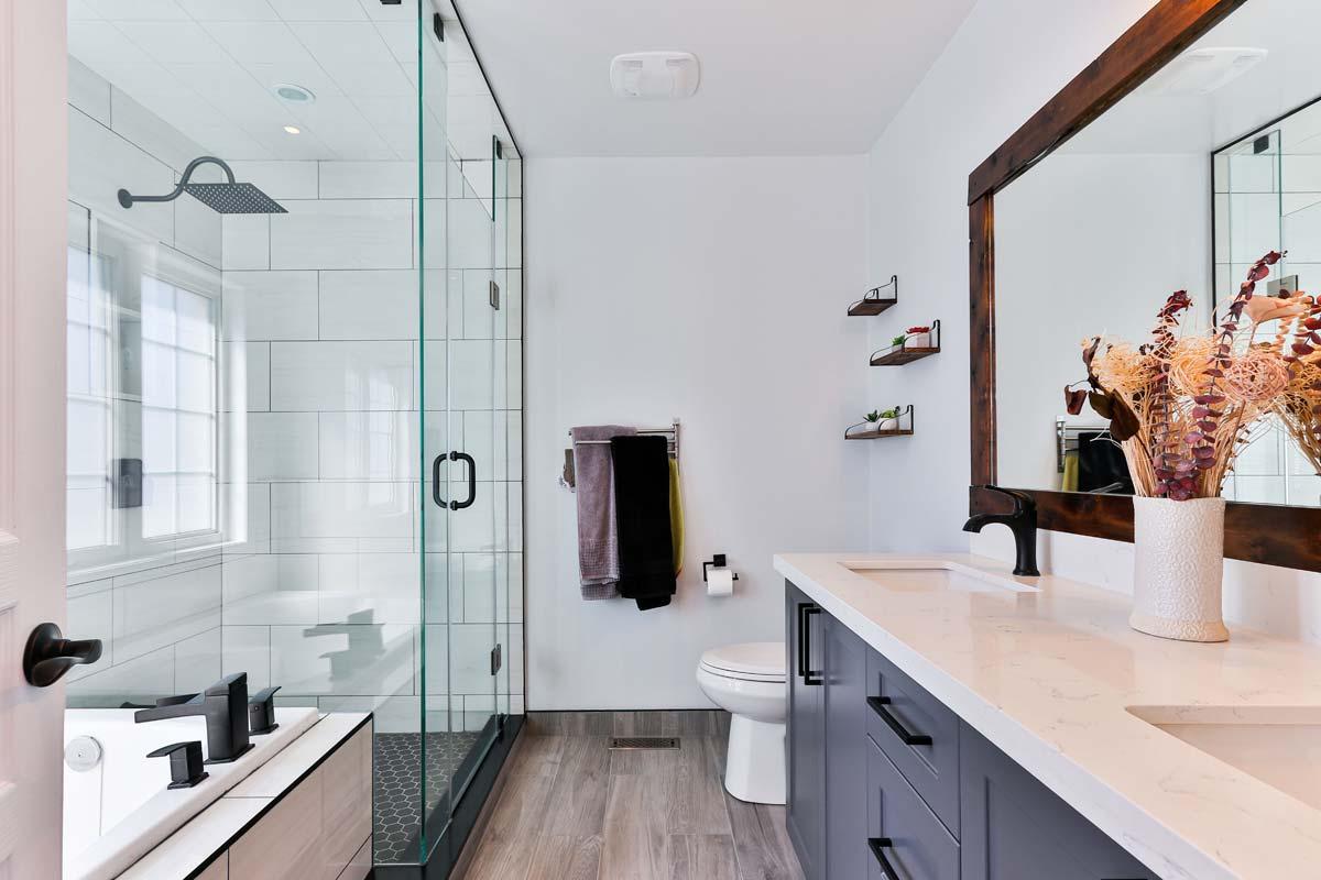 Maison Valentina: baño de lujo, mobiliario excepcional en torno a bañeras, lavabos y muebles