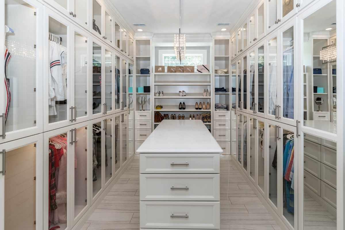 Mobiliario para armarios: Planificar, construir y diseñar un armario empotrado con muebles a juego