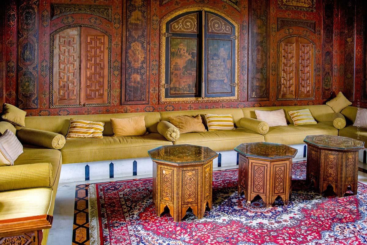 Mobiliario oriental: Vivir como en 1001 noches - Muebles, cojines y decoración con el toque oriental