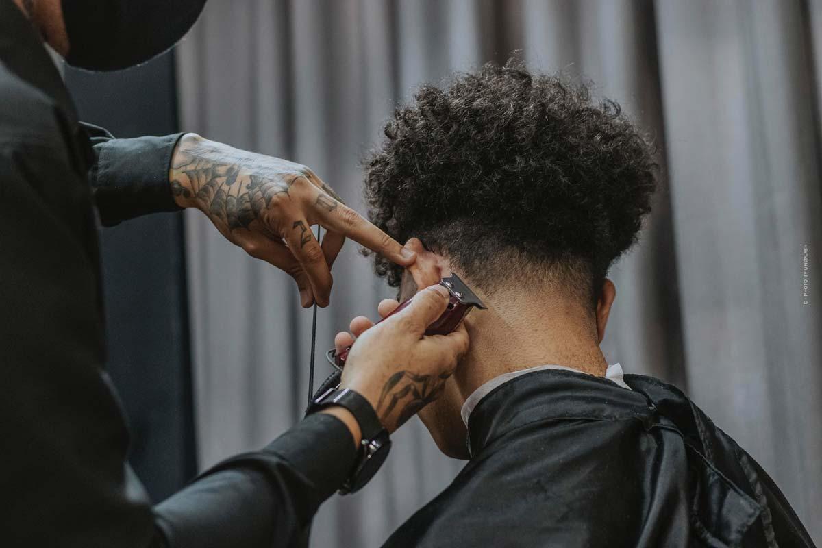 Los 5 peinados de moda para hombres: ¿corto, largo o con rizos?
