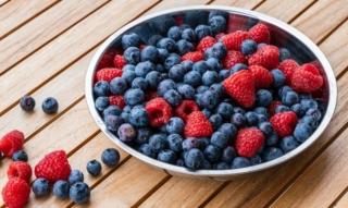 Batidos de frutas del bosque: arándanos, frambuesas y compañía – el toque de frescura en la vida cotidiana